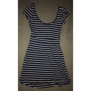 Forever 21 striped dress size small